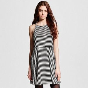 Striped Sleeveless Short Dress 🌻